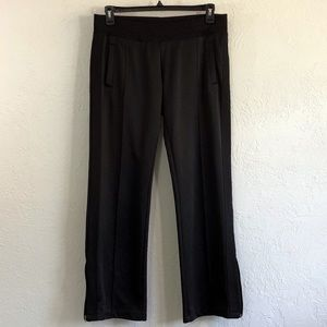 NIKE WORKOUT PANTS IN BLACK WITH ANKLE SIDE ZIP